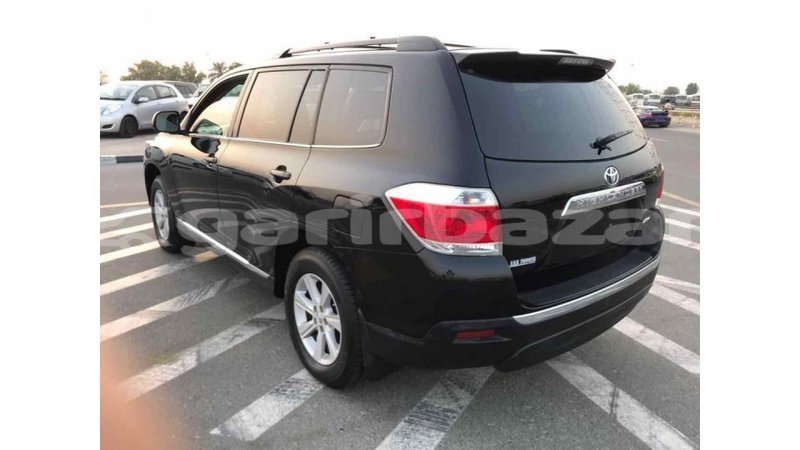 Big with watermark toyota highlander bandarban import dubai 1272